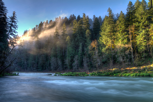 The Umpqua River is one of many waterways in the path of the proposed LNG Pipeline. Photo by Alan Hirschmugl.