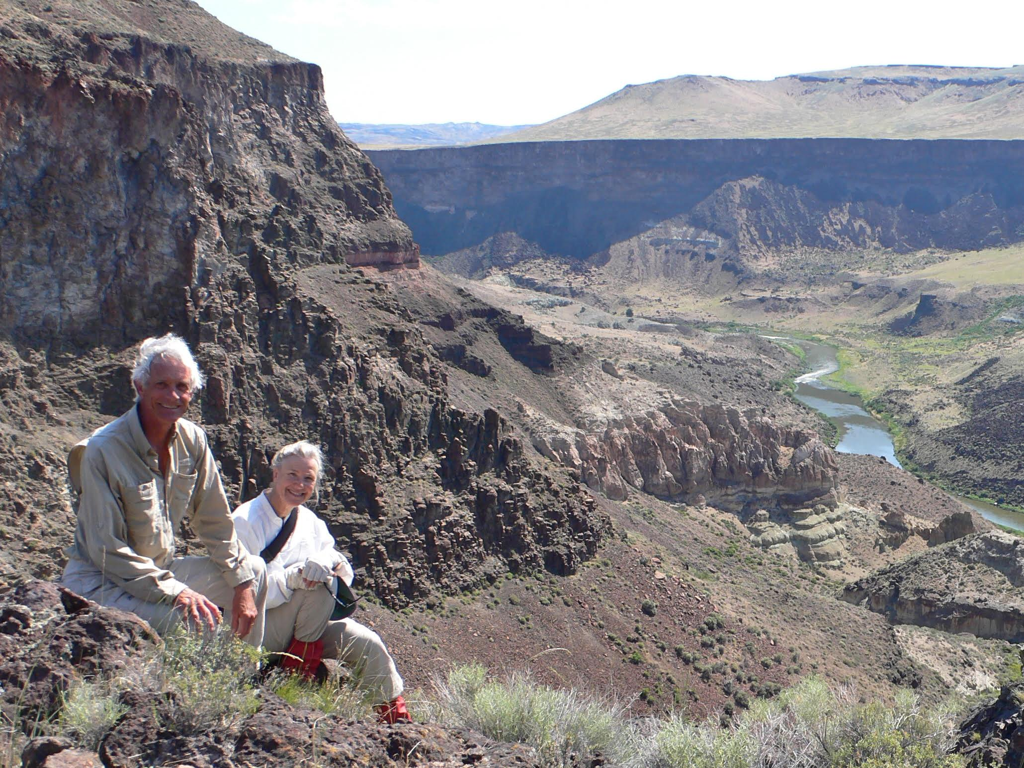 Mike Quigley and Bonnie Olin take a break along the rim of the Jackson Hole area of the Owyhee River in Oregon. Photo by Mike Quigley.